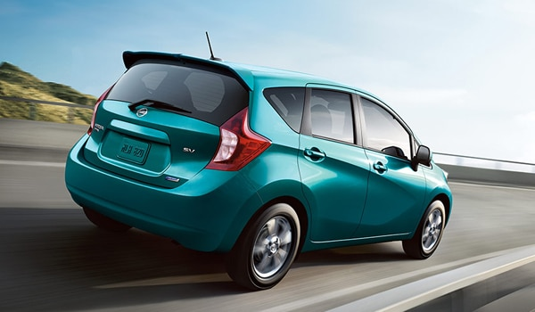 2014 nissan versa note hatchback top fuel economy hatchback. Black Bedroom Furniture Sets. Home Design Ideas