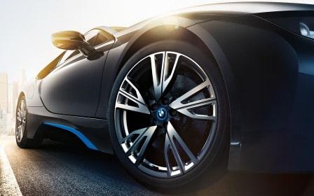 BMW i8 tyre