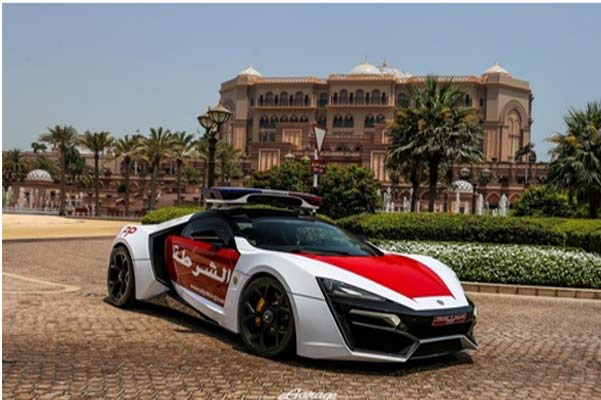 Abu Dhabi And Dubai Two Neighbouring Emirates In The Uae Seem To Have A Compeion Acquire Best Police Cars Recently Acquired